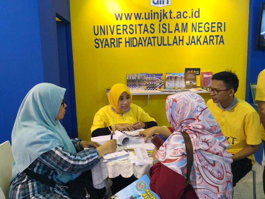 Pengunjung Stan UIN Jakarta Mayoritas Bertanya Tentang Jalur Masuk