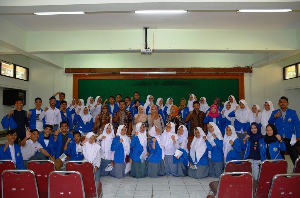 Students of MAN Model Manado Visit UIN Jakarta