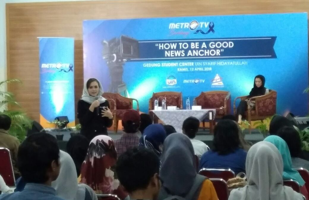 UIN Jakarta Students Learn to be TV Anchor