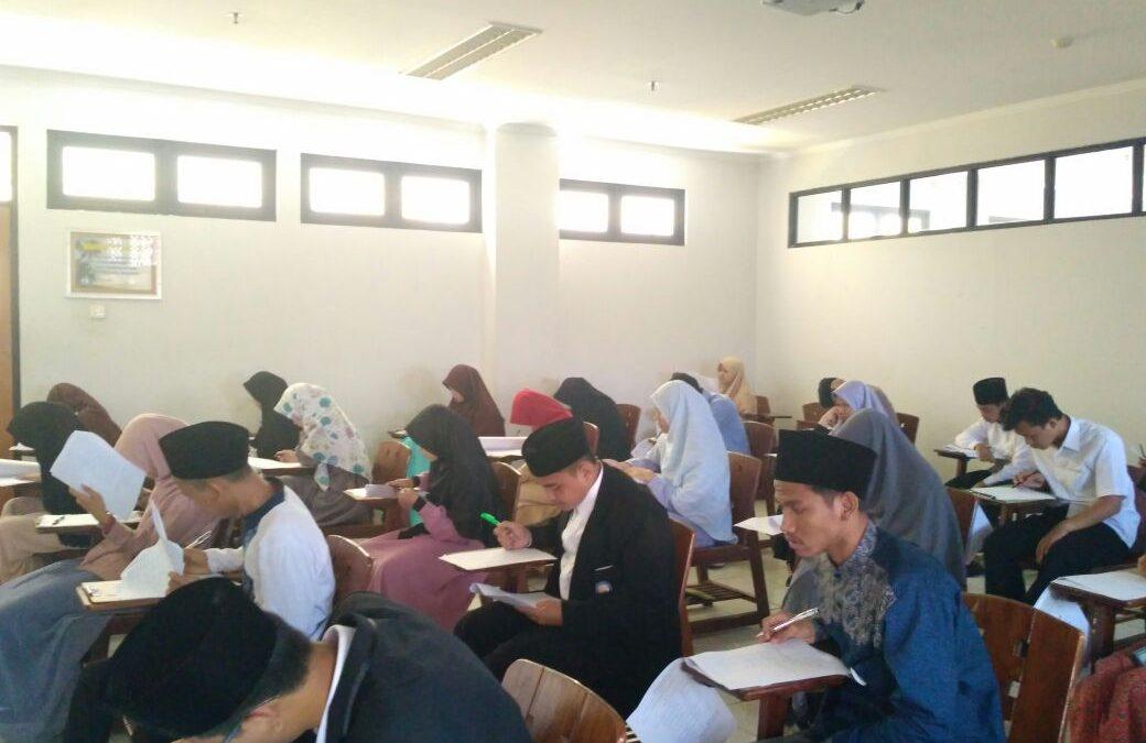 2169 Santri Ikuti Ujian Seleksi Program S1 Timur Tengah di UIN Jakarta
