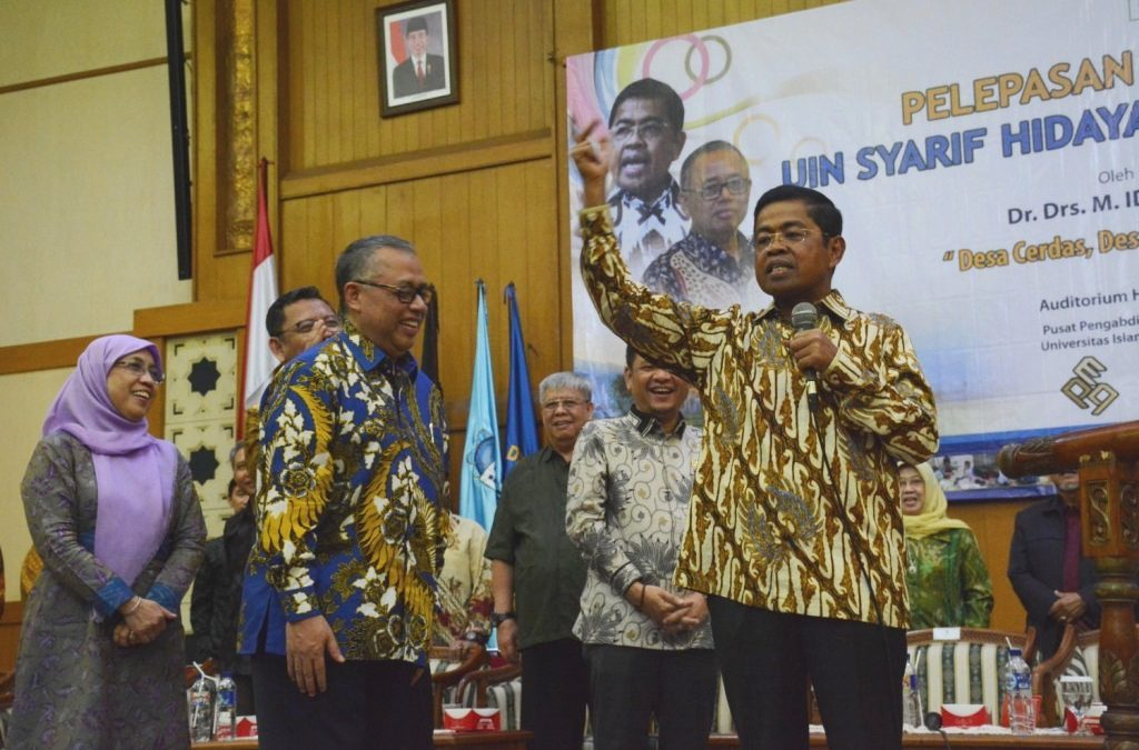 Social Minister RI Briefs KKN Participants
