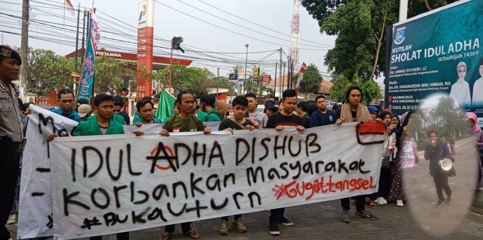 Mahasiswa UIN Jakarta Demo Tolak U-Turn Depan Kampus