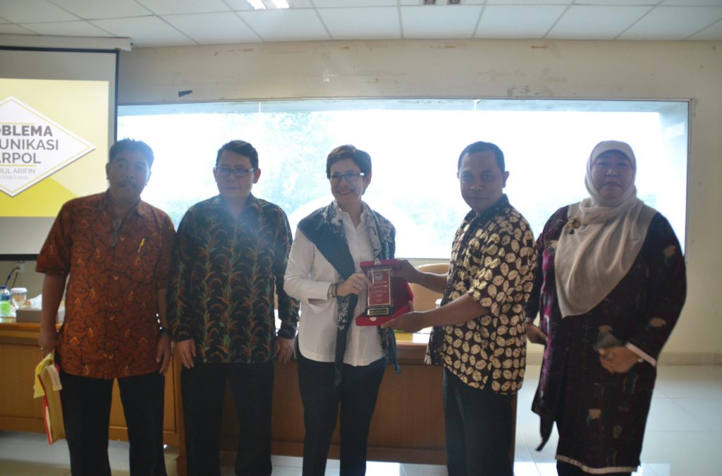 Political Science Study Program Holds Discussion on Political Communication of the Party in Indonesia