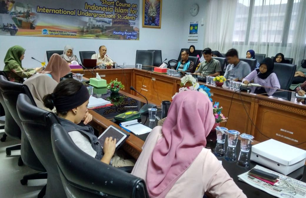 FAH UIN Jakarta Holds Short Course For International Undergraduate Students