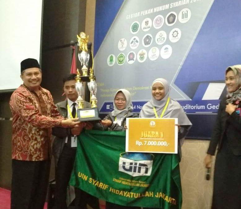 Mahasiswa FSH Sabet Juara Debat dan LKTI