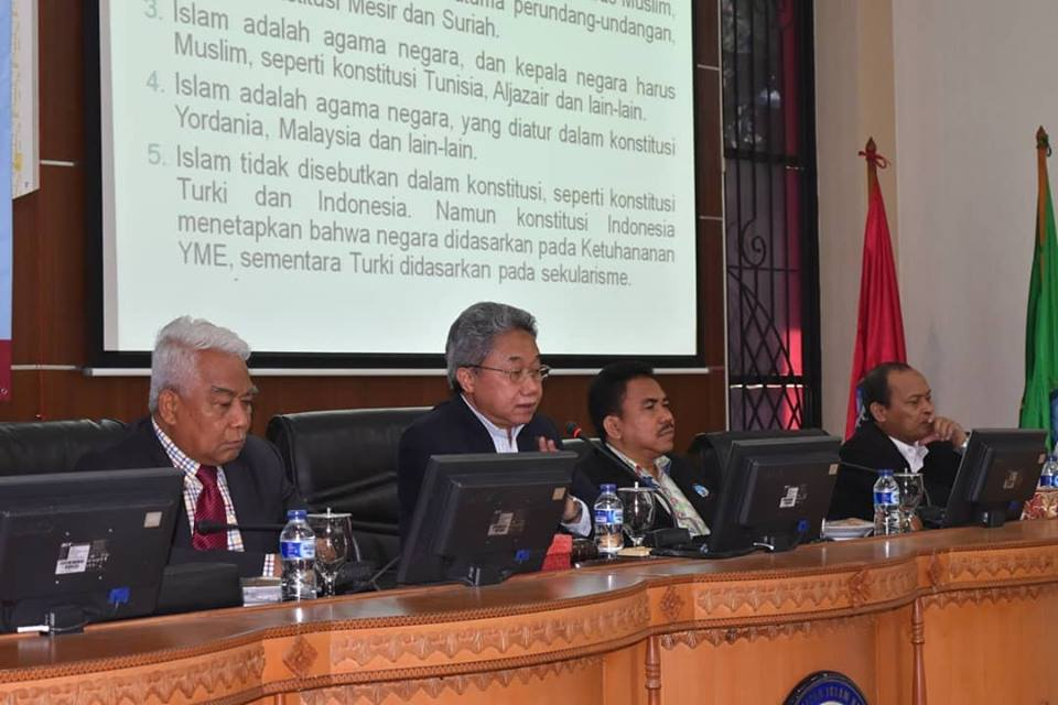 Di Negara-negara Muslim, Hubungan Agama dan Negara Masih Diperdebatkan