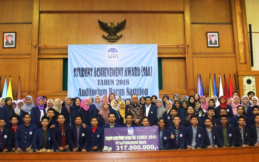 UIN Jakarta Beri Penghargaan 244 Mahasiswa Berprestasi