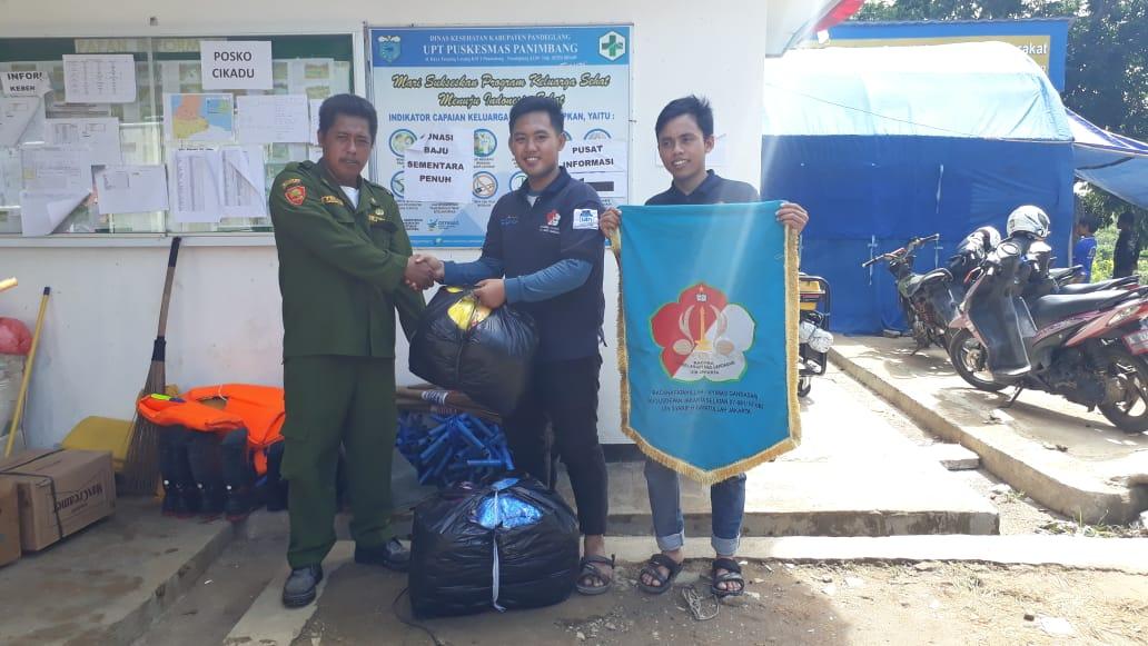 Pramuka UIN Jakarta Salurkan Bantuan Korban Tsunami Selat Sunda