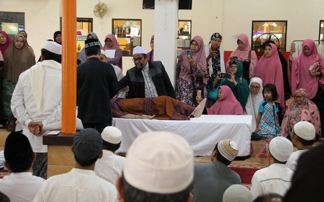 FDI UIN Beri Pelatihan Cara Memandikan Jenazah di Masjid Al-Hakim BSD