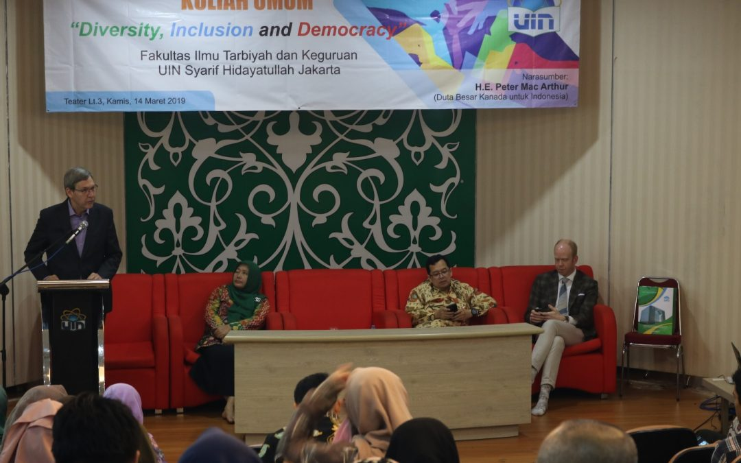 Canadian Ambasaddor delivers his speech in UIN Jakarta