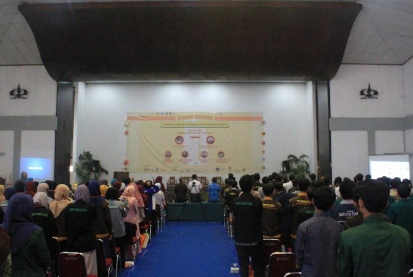 LiSEnSi FEB Wins the FoSSEI Regional Meeting Competition