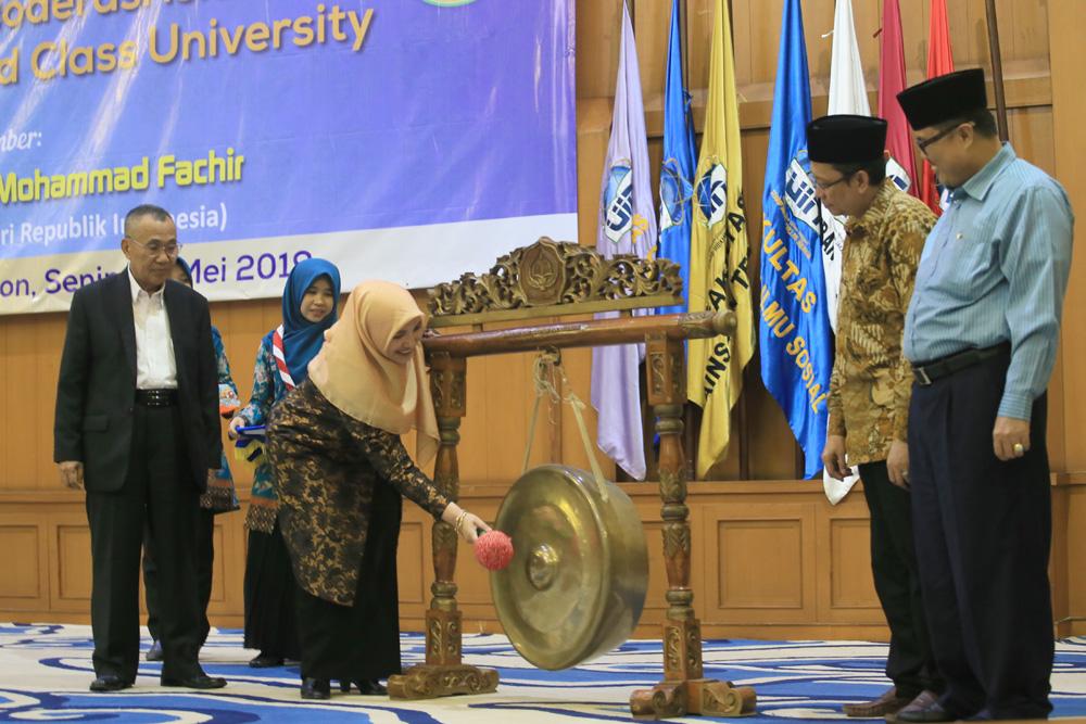Rektor Amany Lubis Buka Perayaan Milad ke-62 UIN Jakarta