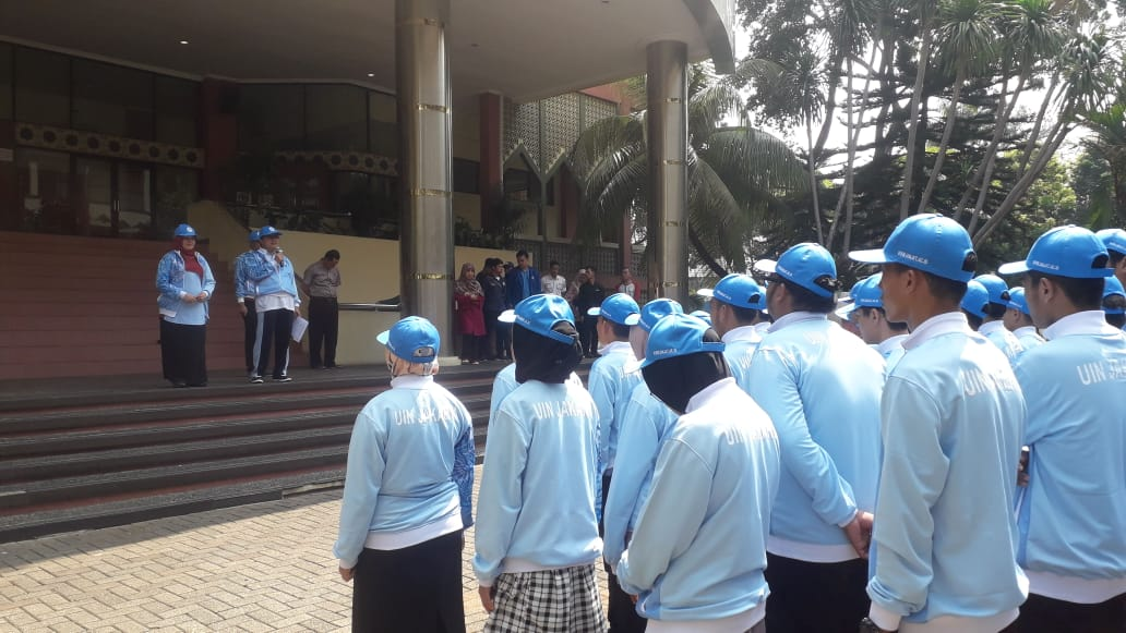 Rektor Amany Lubis Lepas Kontingen Pionir ke-IX ke Malang
