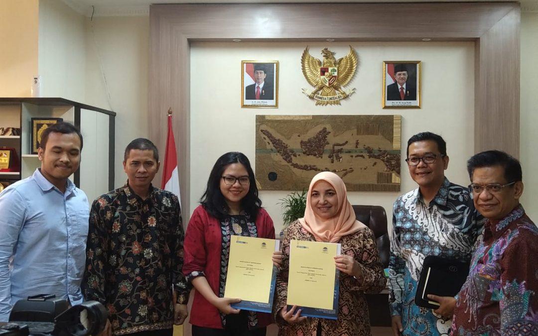 UIN Jakarta-AIESEC Teken Kerja Sama