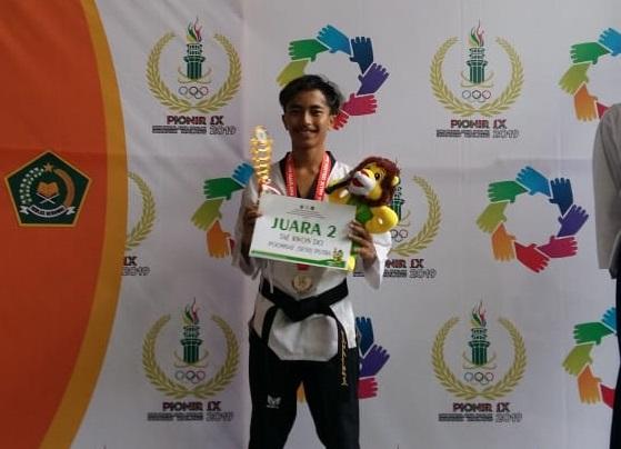 Taekwondo Poomsae Putra Sumbang Perak