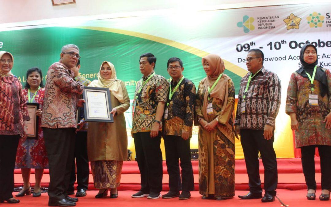 UIN Jakarta Terima Penghargaan dari Kemenkes