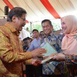 UIN Jakarta receives three land certificates