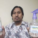 In response to COVID-19, FIKES UIN Jakarta start to produce hand sanitizer