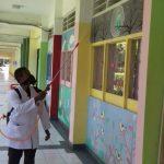 UIN Jakarta maximizes disinfectant spraying